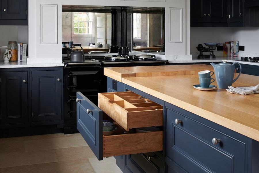 Oak kitchen storage