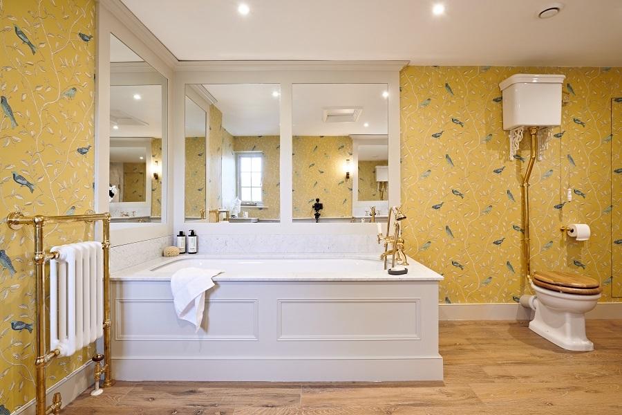Bespoke bathroom in Georgian style